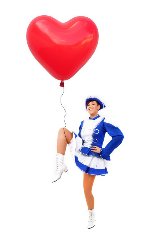 luftballons karneval tantmariechen mit herzluftballon